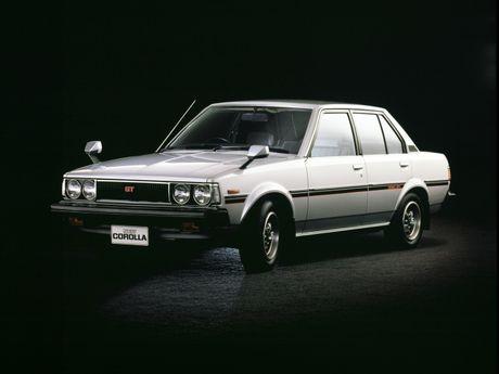 Nhin ngam Toyota Corolla truong thanh qua 11 the he - Anh 10