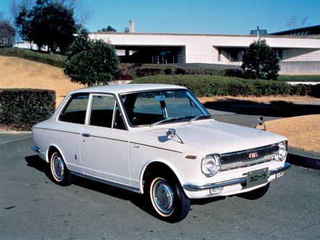 Nhin ngam Toyota Corolla truong thanh qua 11 the he - Anh 2