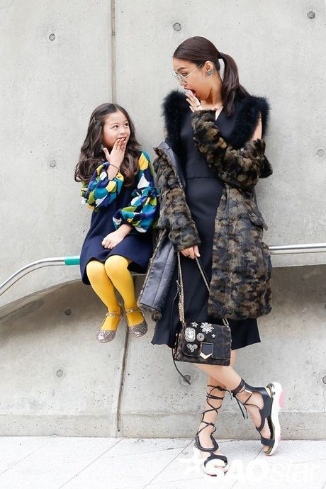 Boc gia trang phuc hang hieu 'chi dep' Lan Khue dien tai Seoul Fashion Week - Anh 2