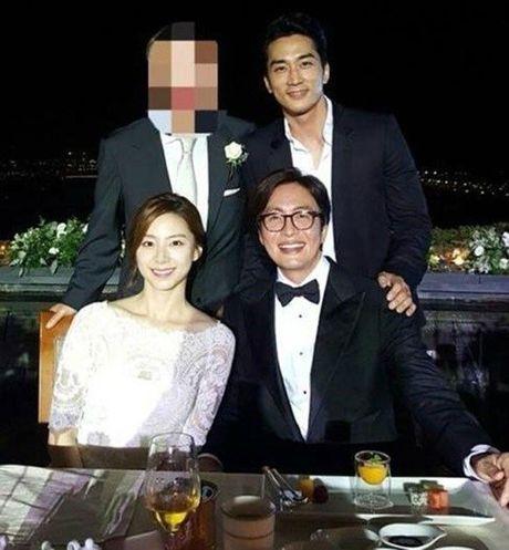 Vo tai tu Bae Yong Joon da ha sinh con trai dau long! - Anh 3