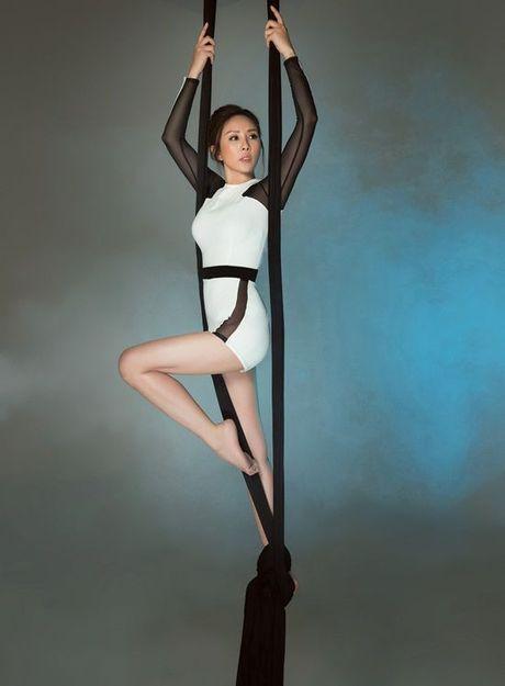 Hoa hau Thu Hoai pose dang tren day lua dang cap khong kem cac 'chien binh' The Face - Anh 2