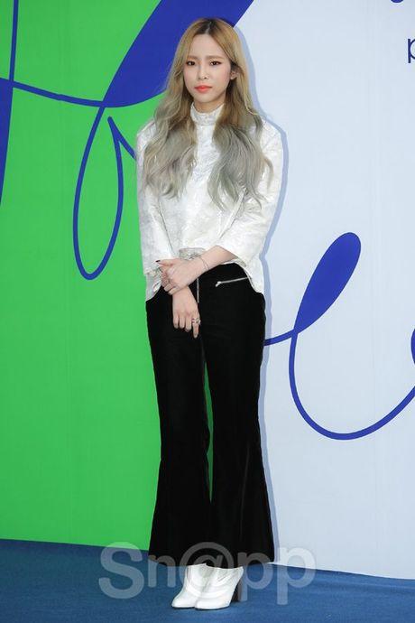 Chang can 'dap' hang hieu tram trieu, cac oppa Han van cuc chat tai Seoul Fashion Week - Anh 13
