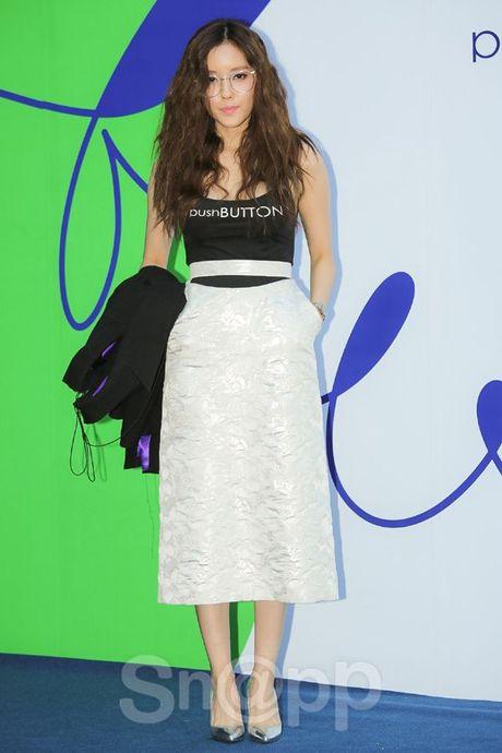 Chang can 'dap' hang hieu tram trieu, cac oppa Han van cuc chat tai Seoul Fashion Week - Anh 14