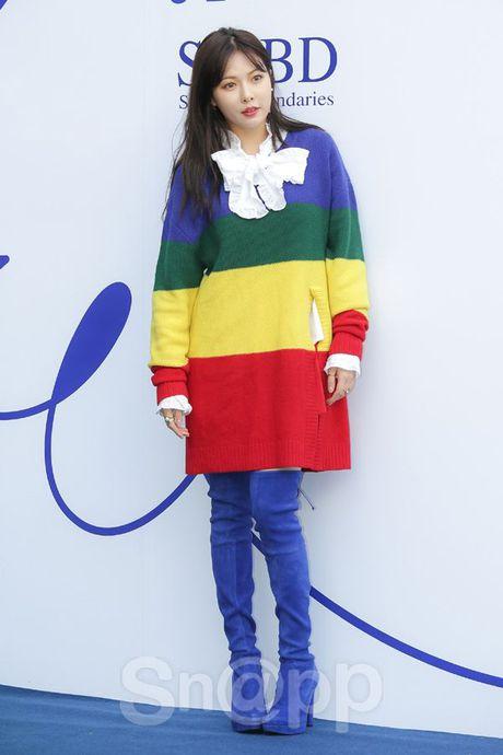 Chang can 'dap' hang hieu tram trieu, cac oppa Han van cuc chat tai Seoul Fashion Week - Anh 15