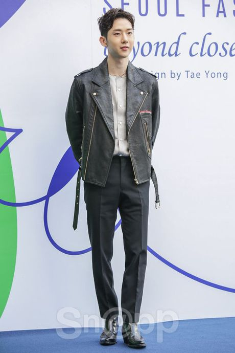 Chang can 'dap' hang hieu tram trieu, cac oppa Han van cuc chat tai Seoul Fashion Week - Anh 2
