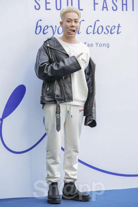 Chang can 'dap' hang hieu tram trieu, cac oppa Han van cuc chat tai Seoul Fashion Week - Anh 4