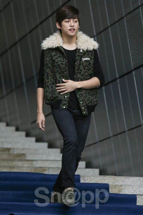 Chang can 'dap' hang hieu tram trieu, cac oppa Han van cuc chat tai Seoul Fashion Week - Anh 5