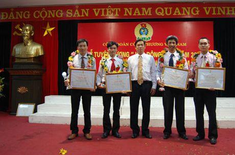 Cong doan TCty Thuoc la Viet Nam: Quan tam cham lo quyen loi nguoi lao dong - Anh 1