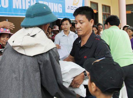 Mong ba con mien Trung som vuot qua kho khan - Anh 2