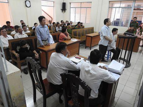 Nguyen can bo So LD-TB-XH tinh Ca Mau nhan hoi lo 200 trieu dong - Anh 1