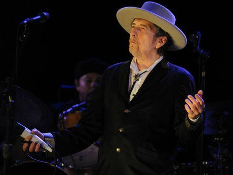 Vien si Thuy Dien noi doa chi trich Bob Dylan kieu ngao - Anh 1