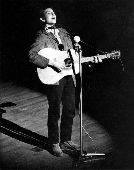 Vien si Thuy Dien noi doa chi trich Bob Dylan kieu ngao - Anh 3