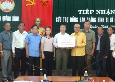 Nhung tam long hao tam tiep tuc huong ve Quang Binh - Anh 2