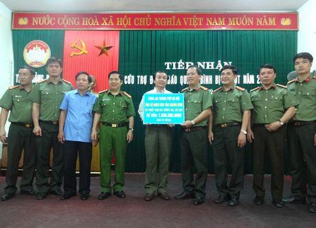 Nhung tam long hao tam tiep tuc huong ve Quang Binh - Anh 3