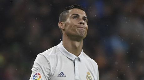 Ronaldo kem duyen, Real nhoc nhan len ngoi dau - Anh 5