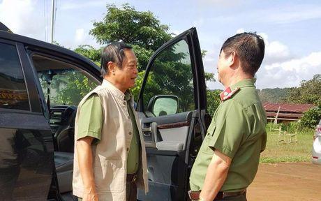 Thu truong Bo Cong an vao hien truong vu xa sung hoa cai - Anh 1