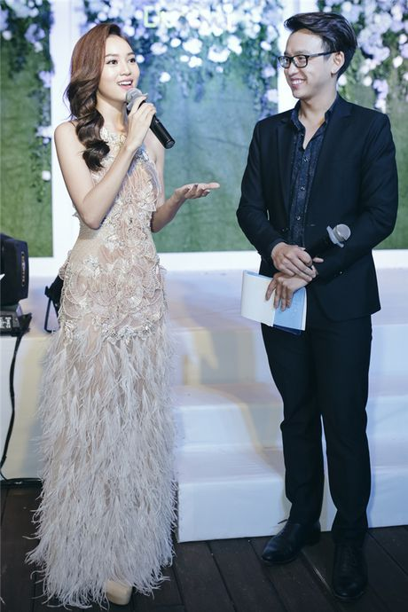 Ky Duyen, Angela Phuong Trinh dan dau top sao dep tuan - Anh 2