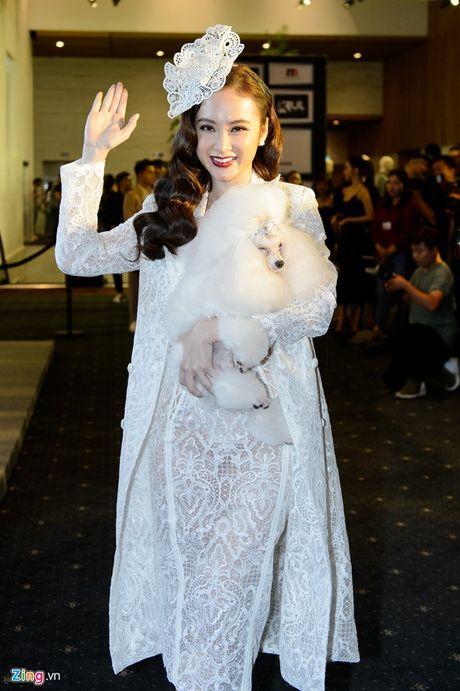 Ky Duyen, Angela Phuong Trinh dan dau top sao dep tuan - Anh 3