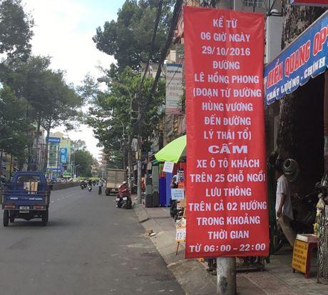 TP.HCM cam o to luu thong tren mot so duong de chong xe du - Anh 1