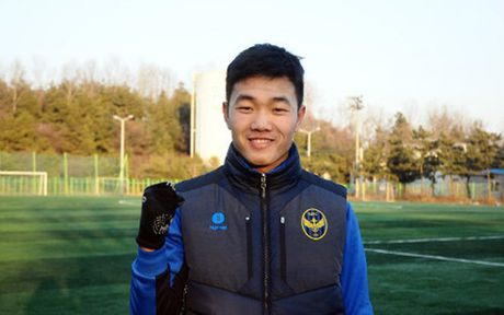 Tu Han Quoc, Xuan Truong chuc mung ky tich cua U19 Viet Nam - Anh 1