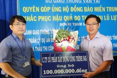 QL1 Quang Ngai: Khong le khoi cong, danh tien cho nguoi dan vung lu - Anh 3