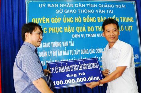 QL1 Quang Ngai: Khong le khoi cong, danh tien cho nguoi dan vung lu - Anh 4