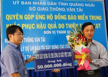 QL1 Quang Ngai: Khong le khoi cong, danh tien cho nguoi dan vung lu - Anh 6
