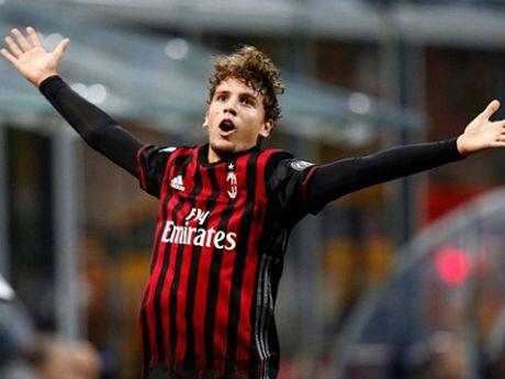 Khi Milan khien Juventus phai ghen ti - Anh 1