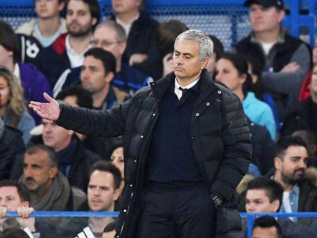 Mourinho to Conte co tinh si nhuc minh sau man an mung qua khich - Anh 4