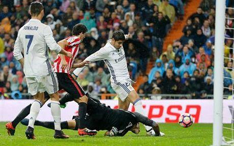 Ronaldo vo duyen, Real Madrid nhoc nhan danh bai Athletic Bilbao - Anh 2