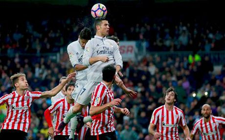 Ronaldo vo duyen, Real Madrid nhoc nhan danh bai Athletic Bilbao - Anh 3