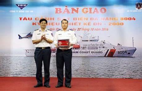 Lo dien truc thang trang bi cho tau CSB 8004 Viet Nam - Anh 1