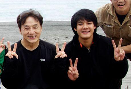 'Hau due' Thanh Long duoc Diep Lam Anh goi 'chong yeu' la ai? - Anh 2