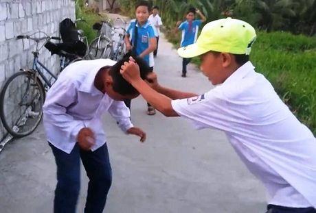 He lo nguyen nhan nam sinh bi danh da man o Hai Duong - Anh 1