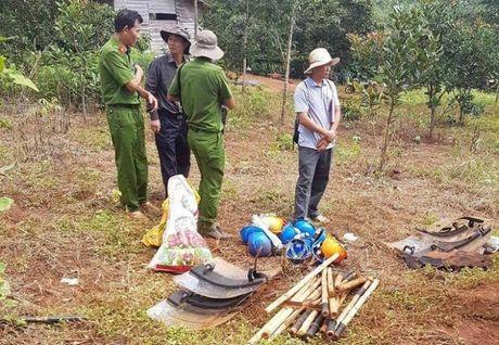 Vu no sung 3 nguoi chet: Cong ty Long Son tu y san ui - Anh 1