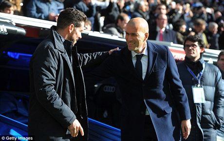 Soc: Doi thu 3 Atletico thau tom het danh hieu ca nhan La Liga 2015/16 - Anh 3