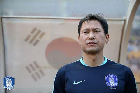 Khong vao tu ket nhu U19 Viet Nam, HLV Han Quoc bi 'tram' - Anh 1