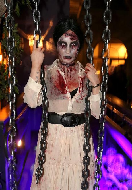 Nhung trang phuc Halloween ky di nhat cua sao Hollywood - Anh 7