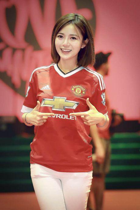 Hot girl Tu Linh buc xuc khi bi do toi khien MU thua - Anh 6