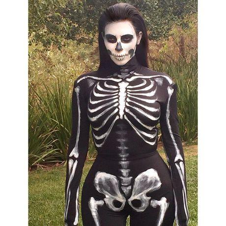 Son da ga voi trang phuc Halloween kinh di cua sao Hollywood - Anh 1