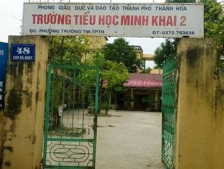 Thanh Hoa: 35 truong hoc tra lai tien thu sai quy dinh - Anh 1