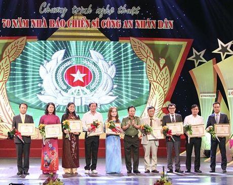 70 nam nha bao chien si Cong an nhan dan - Anh 2