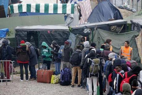 Phap dep bo trai ti nan o Calais - Anh 1