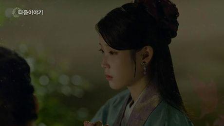 Nguoi tinh anh trang tap 18: IU se tu hon de Lee Jun Ki lay cong chua? - Anh 2