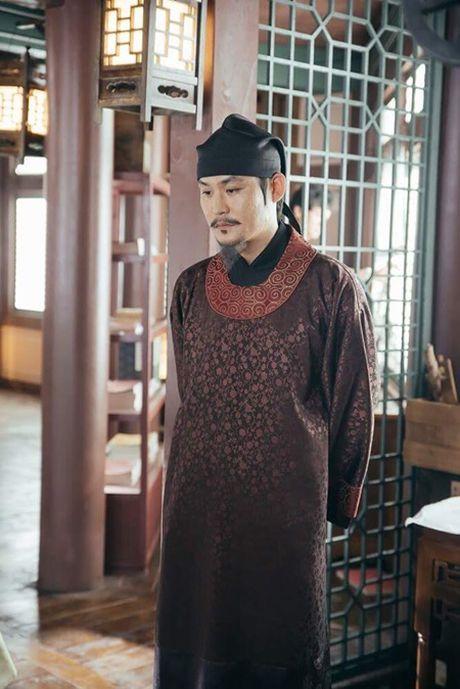 Nguoi tinh anh trang tap 18: IU se tu hon de Lee Jun Ki lay cong chua? - Anh 7
