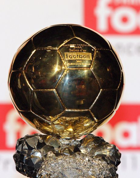 "Danh sach ""Qua bong vang"" 2016: Ligue 1 bi bo quen - Anh 1"