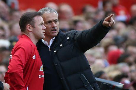 Mourinho tuyen bo Rooney can phai ra di - Anh 1