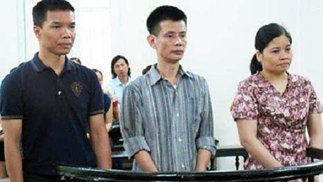 Cap vo chong lua dao chiem doat hon 156 ty dong - Anh 1