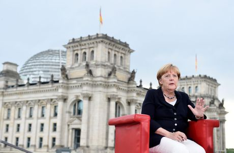Bao My: Cac nguy co doi voi EU tu nguoi ke nhiem Thu tuong Angela Merkel - Anh 1