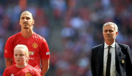 "MU: Ibrahimovic, ""ga khong lo"" dang mo ngu - Anh 2"